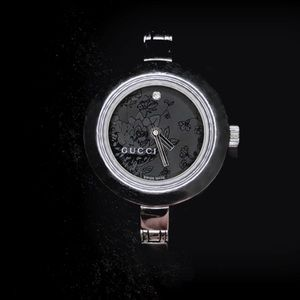 9cfa2015d6c Gucci Accessories - Auth GUCCI 105 Series Black Diamond Flower Watch